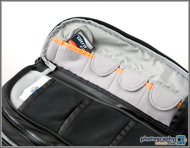 Lowepro Vertex 200 AW outer pocket w. memory card storage