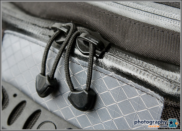 Lowepro Vertex 200 AW weather-resistant zippers