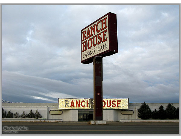 Canon PowerShot G9 - Ranch House Casino - Wells, Nevada