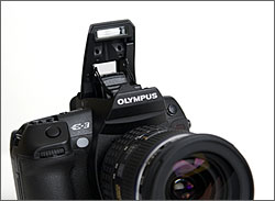 Olympus E-3 - Pop-up Flash