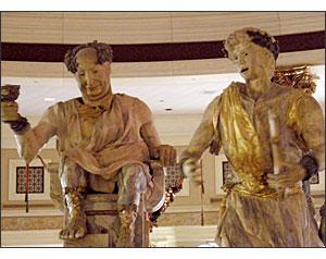 Olympus SP-560 UZ - Caesar's Statues