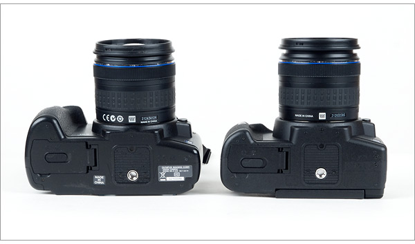 Olympus E-620 compared to Olympus E-520 - bottom