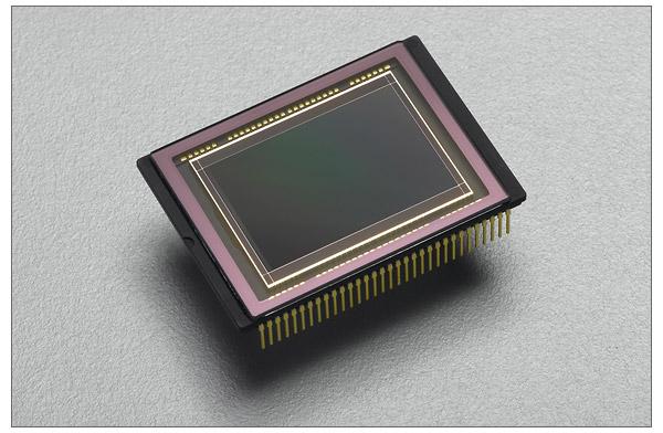 The new 14.6-megapixel Pentax K7 CMOS sensor