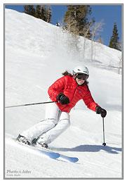 Nikon D7000 - continuous auto focus ski photo