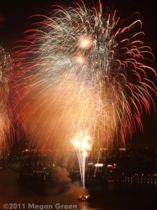 Olympus E-P3 - fireworks sample photo