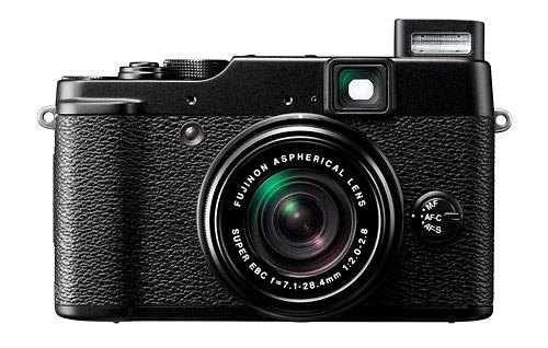 Fujifilm X10 camera with 4x f/2.0-2.8 Fujinon Super EBC zoom lens