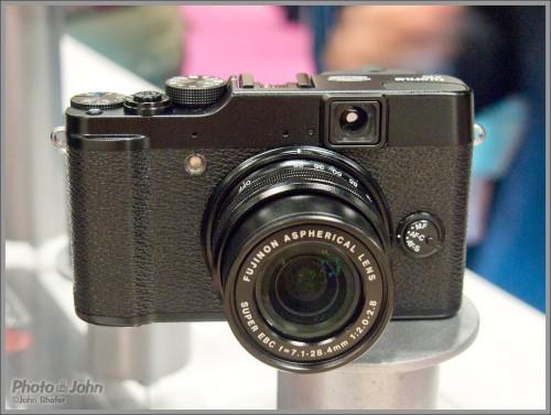 Fujifilm X10 Compact Camera