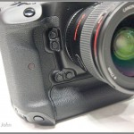 Canon EOS-1D X - programmable buttons on front of camera