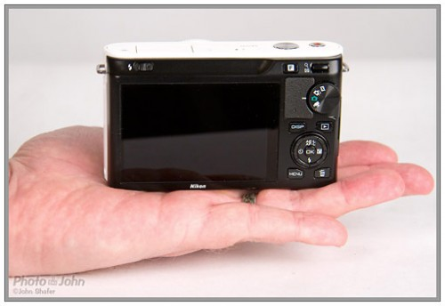 Nikon J1 - rear controls and LCD display