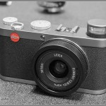 Leica X1 - Pop Up Flash