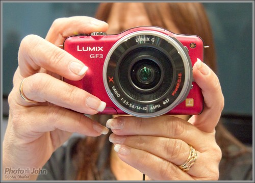Panasonic Lumix GF3 Compact Interchangeable Lens Camera