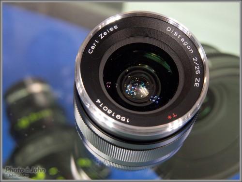 Carl Zeiss 25mm f/2.0 Lens