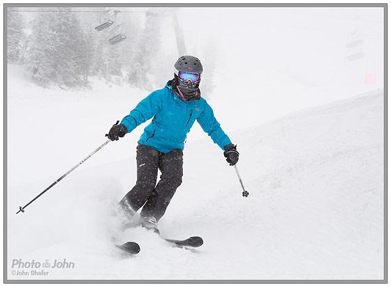 Nikon 1 - J1 - Skier