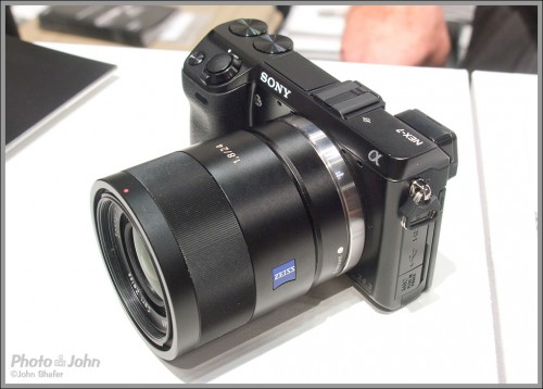 Sony NEX-7 With Carl Zeiss Sonnar T* 24mm f/1.8 ZA Lens