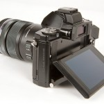 Olympus OM-D E-M5 - 3-inch Tilting OLED Display