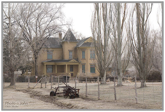 Sony NEX-5N - Winter Morning Farm House