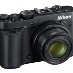 Nikon Coolpix P7700 - Right Side View