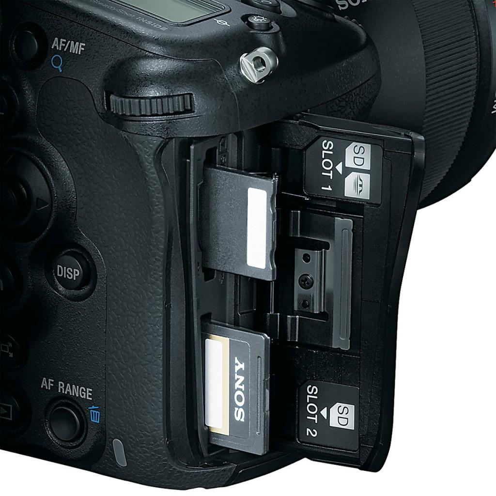 Sony A99 - Dual SD Card Slots