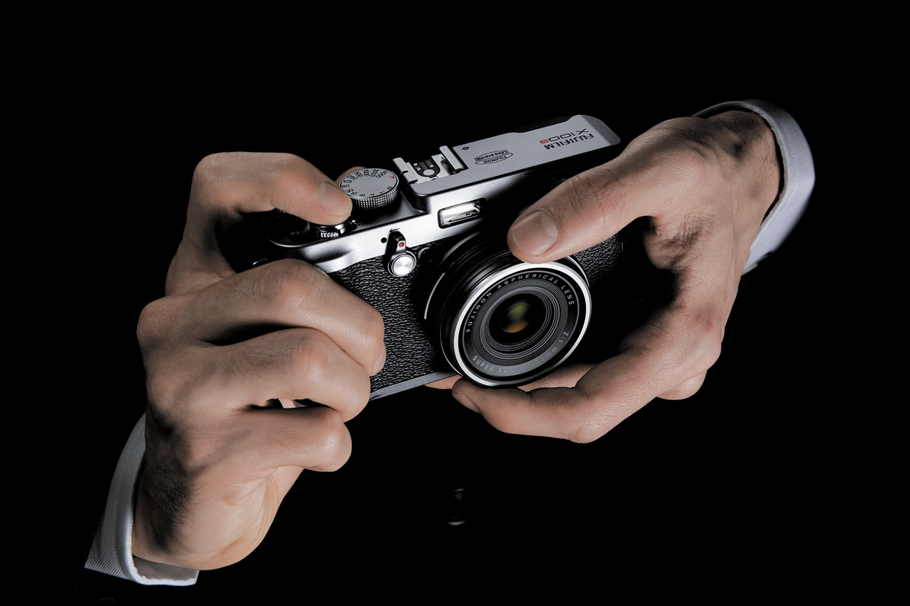 Fujifilm X100S - Traditional Dial-Controlled Design