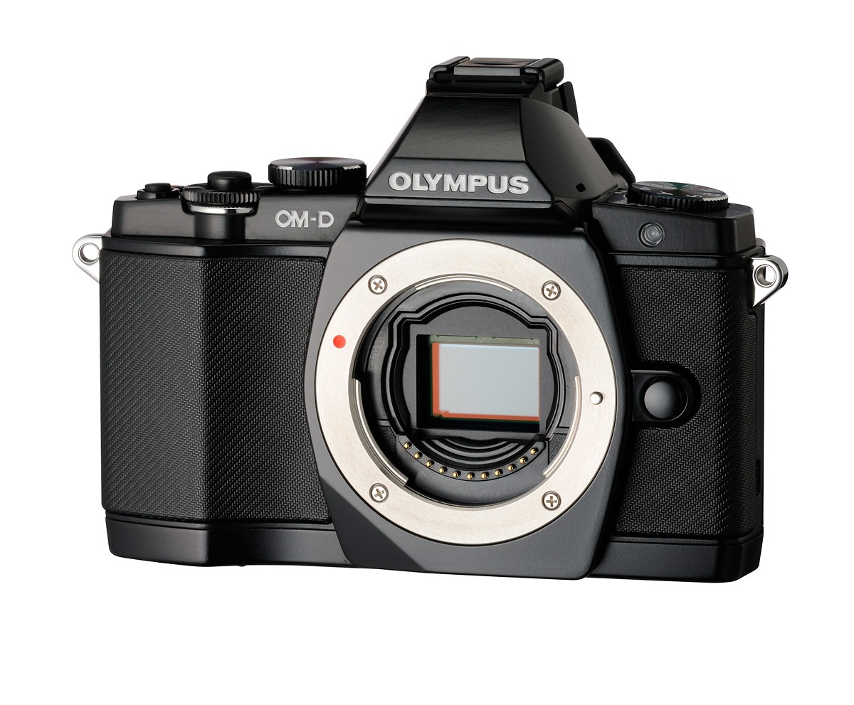 Olympus OM-D E-M5 - 16-Megapixel Four Thirds CMOS Sensor