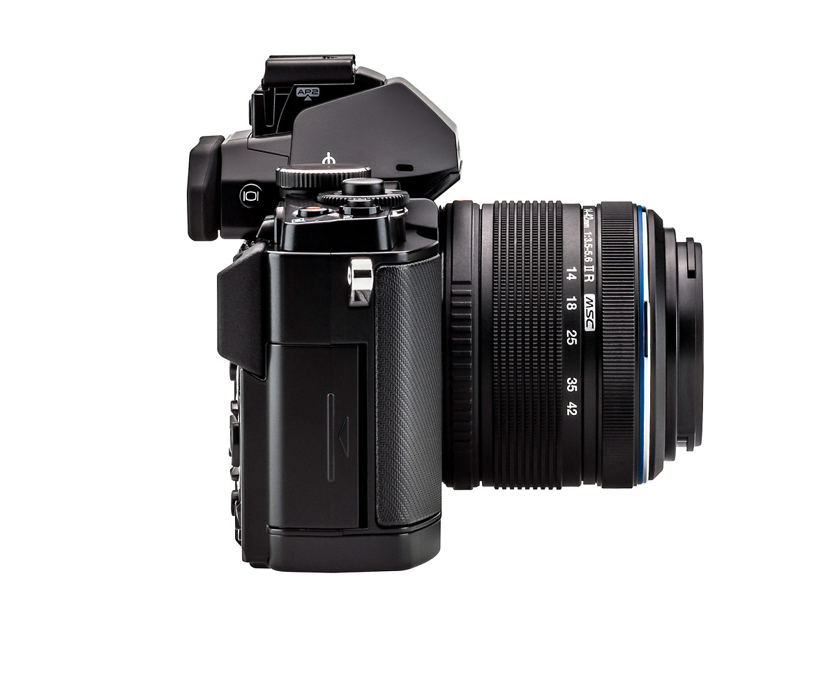 Olympus OM-D E-M5 - Side View