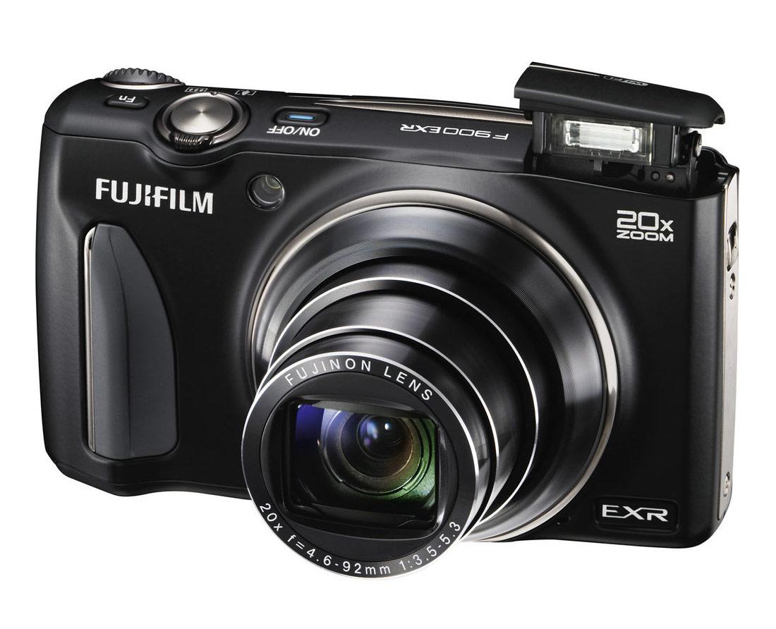 Fujifilm FinePix F900EXR 20x Pocket Superzoom - Angle View With Flash