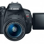 Canon EOS Rebel T5i / EOS 700D - 3-inch Vari-Angle Touchscreen LCD Display