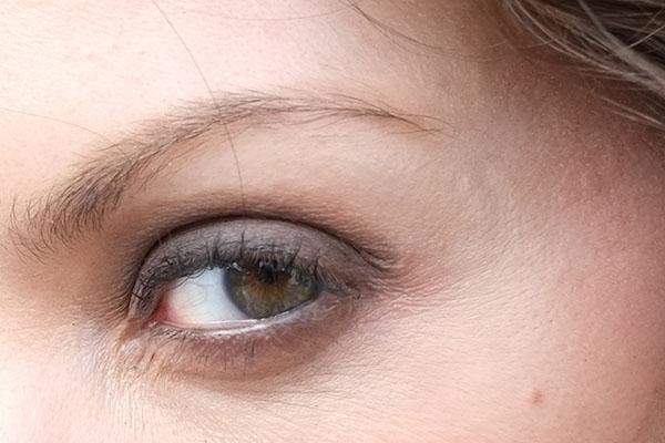 Zeiss Touit 1.8/32 Lens Sample: Natalia Zoom Detail
