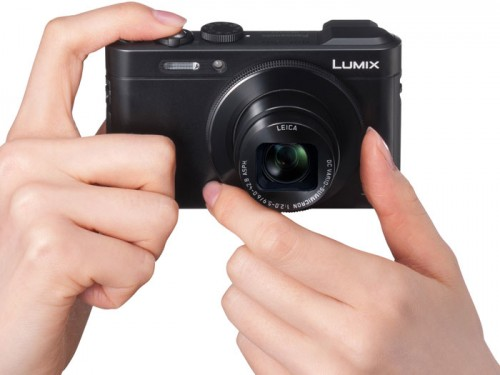 Panasonic's New Pocket-Sized LF1 With Built-In EVF
