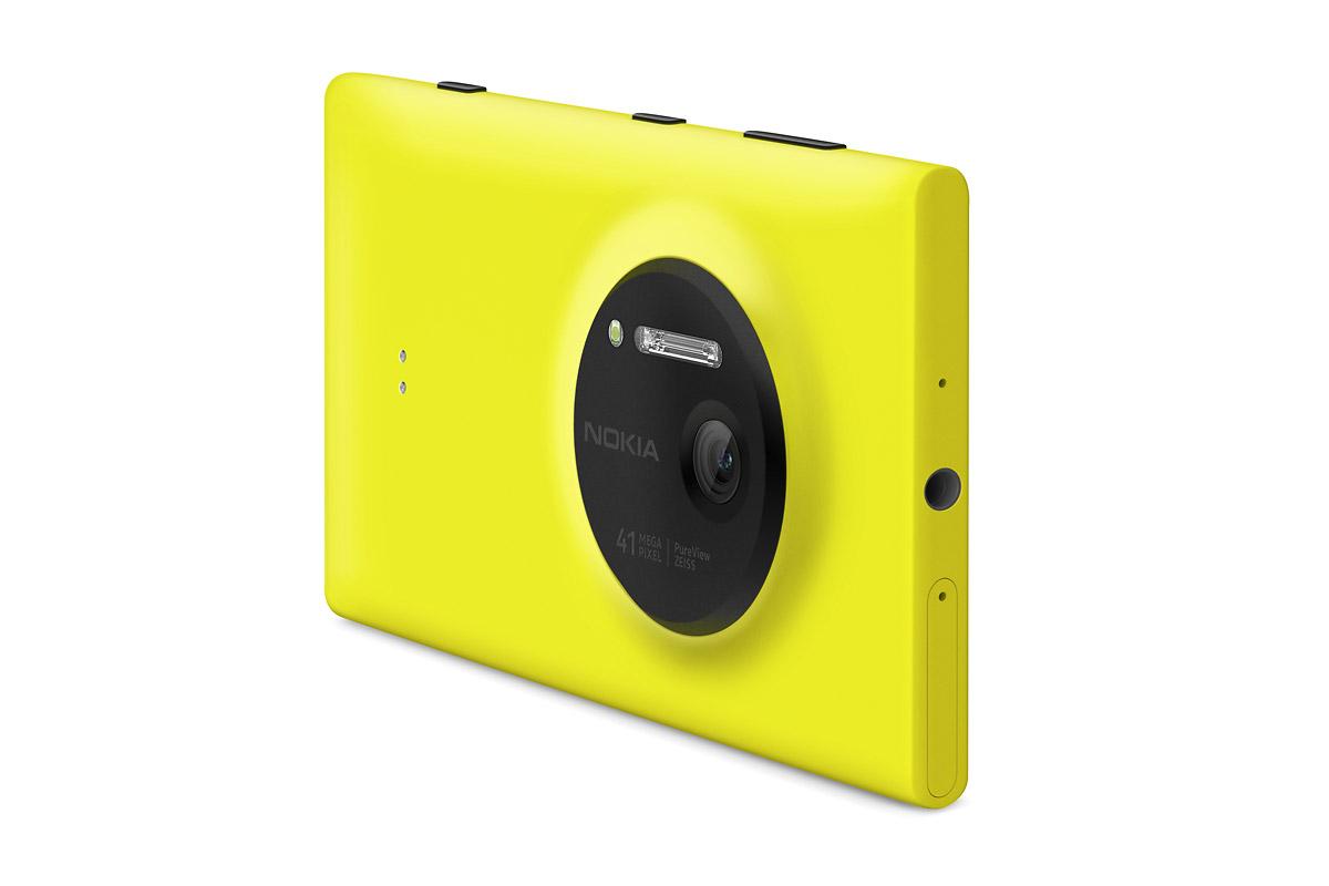Nokia 1020 Camera Phone - Angle View