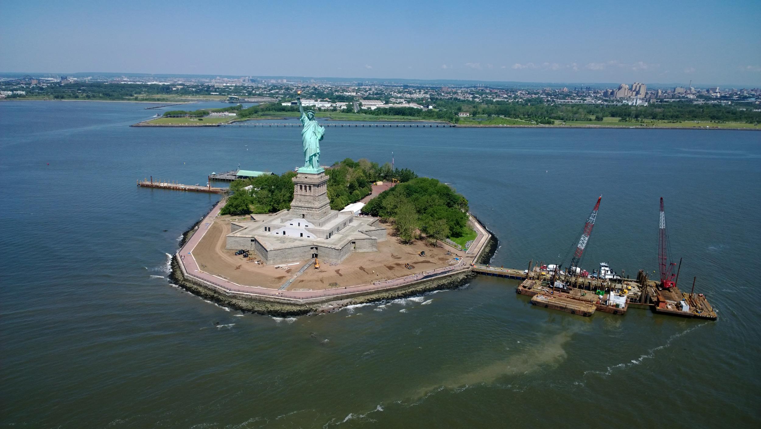 Nokia Lumia 1020 Statue of Liberty Sample Photo