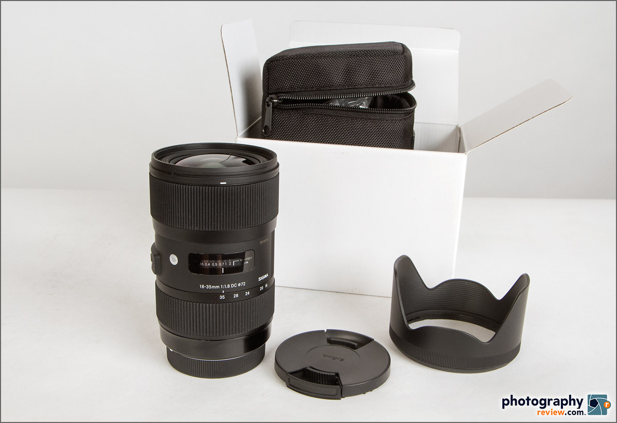 Sigma 18-35mm f/1.8 Zoom Lens With Accessories
