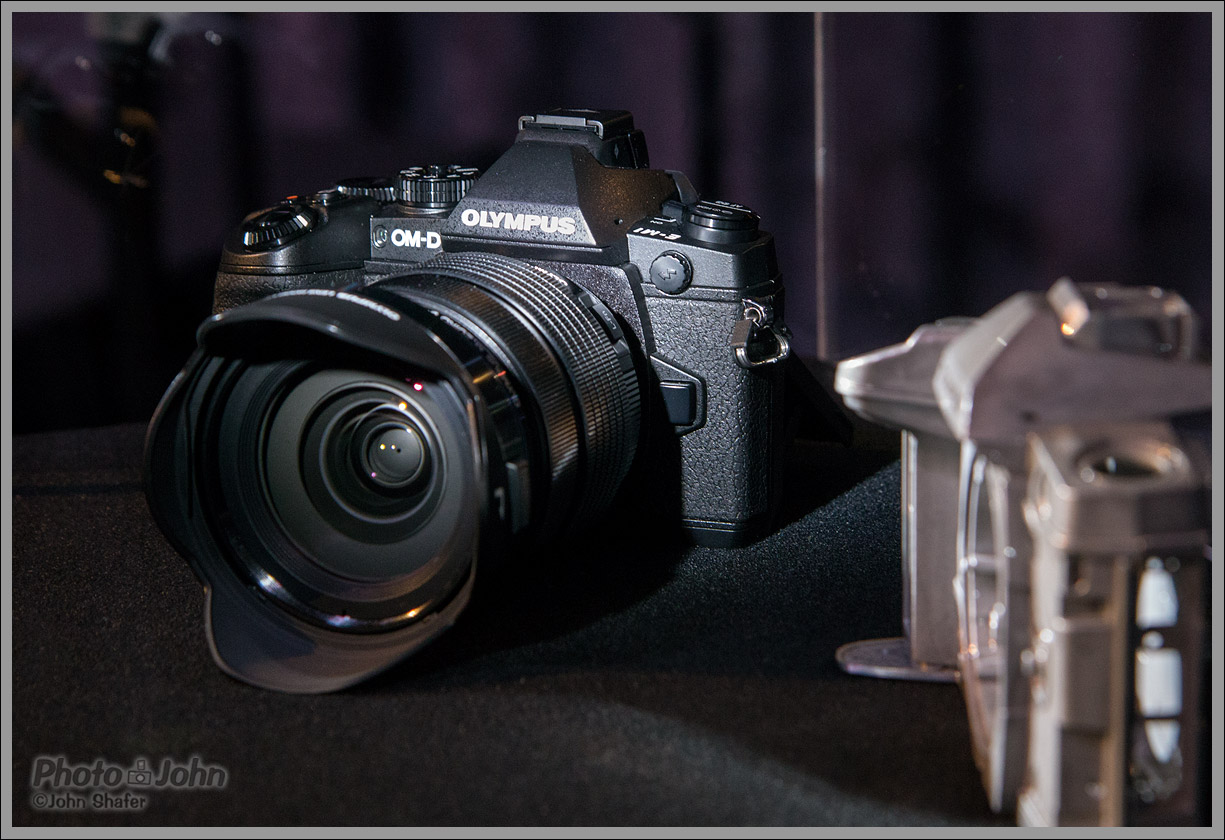 New Olympus OM-D E-M1 Flagship Micro Four Thirds Camera