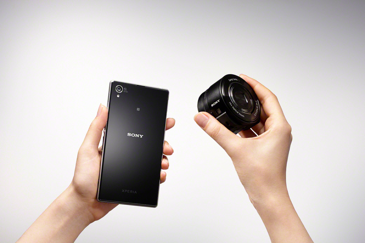 Sony Cybershot QX10 Lens-Style Camera For Smart Phone