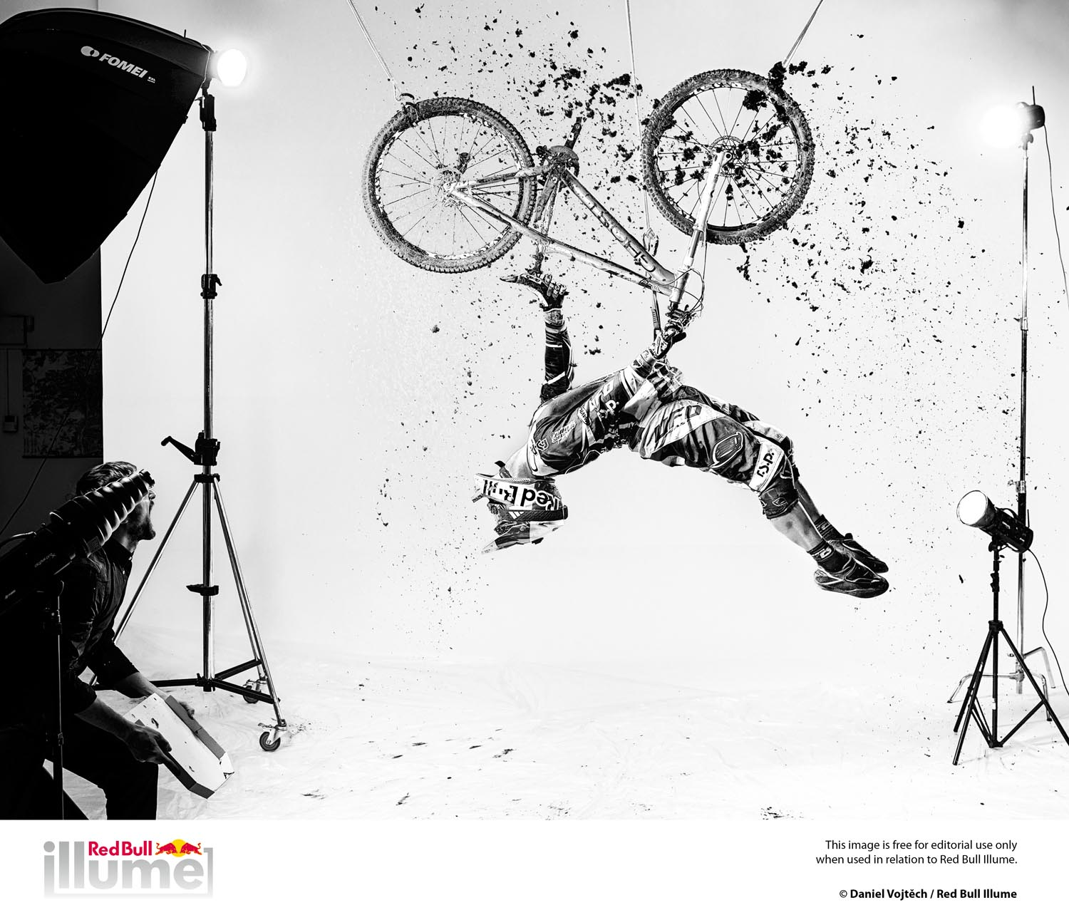 ©Daniel Vojtěch / 2013 Red Bull Illume New Creativity Category Winning Photo