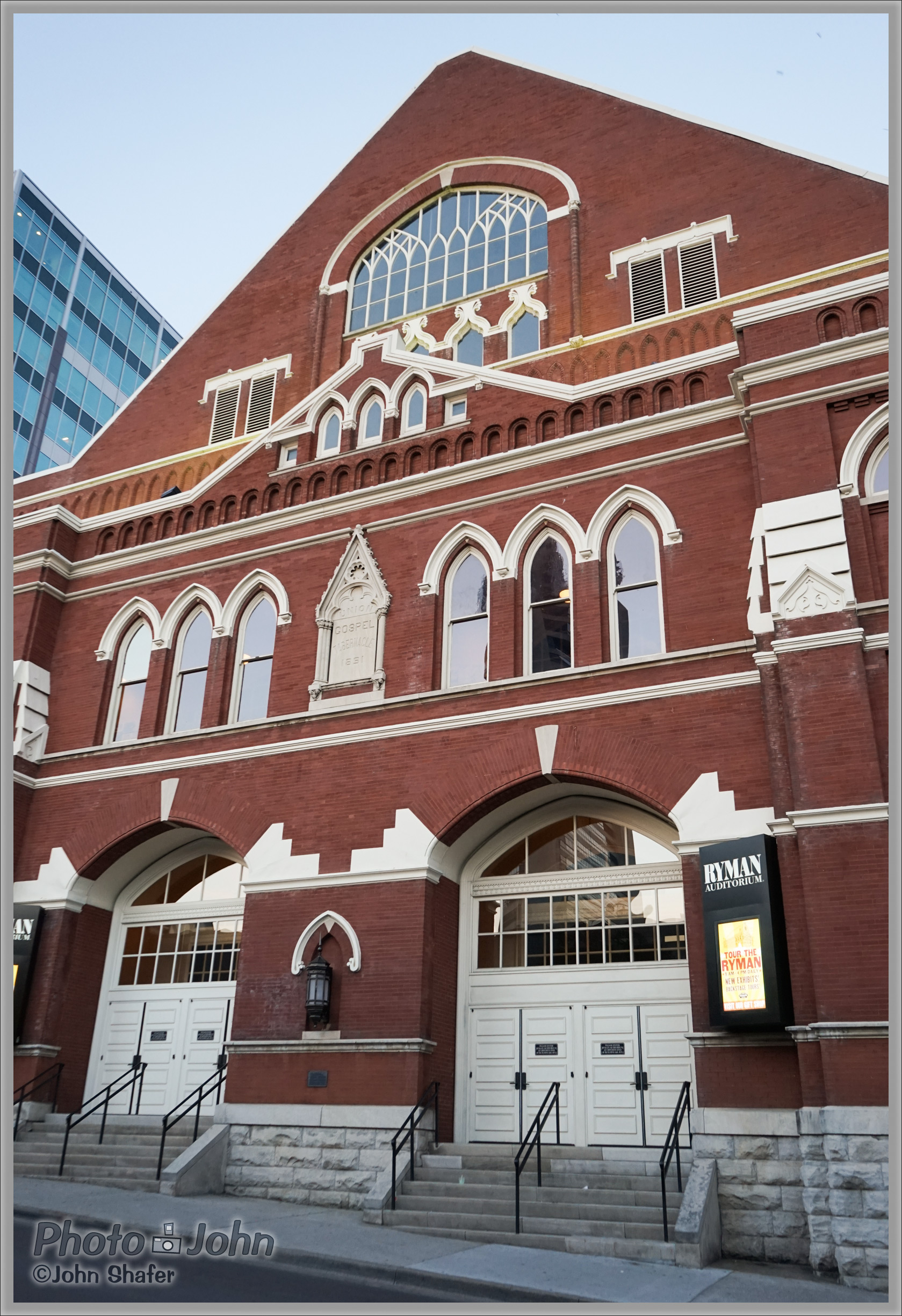 Sony Alpha A7 - Ryman Auditorium - Nashville, Tennessee