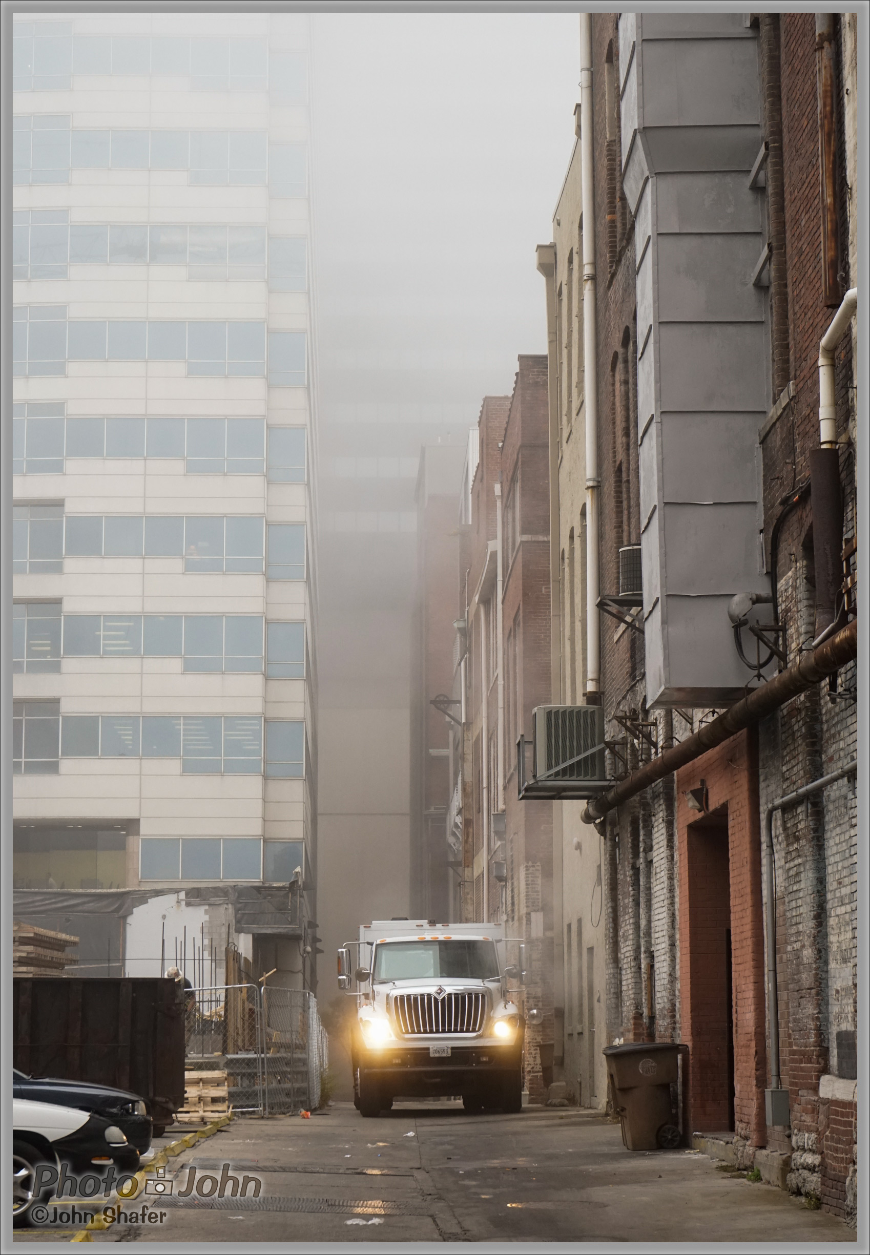 Sony Alpha A7 - Foggy Alley - Nashville, TN