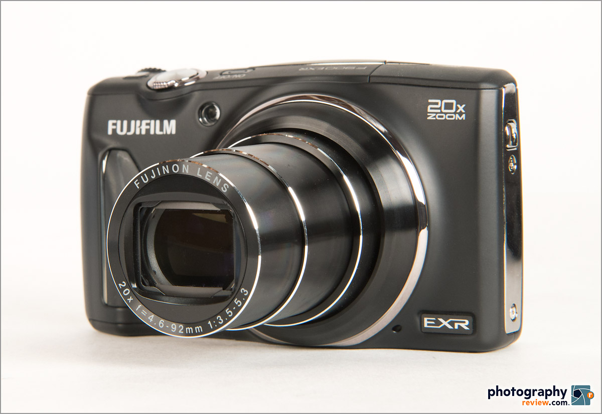 Fujifilm FinePix F900EXR Pocket Superzoom - Left Front