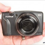 Fujifilm FinePix F900EXR Pocket Superzoom - In Hand