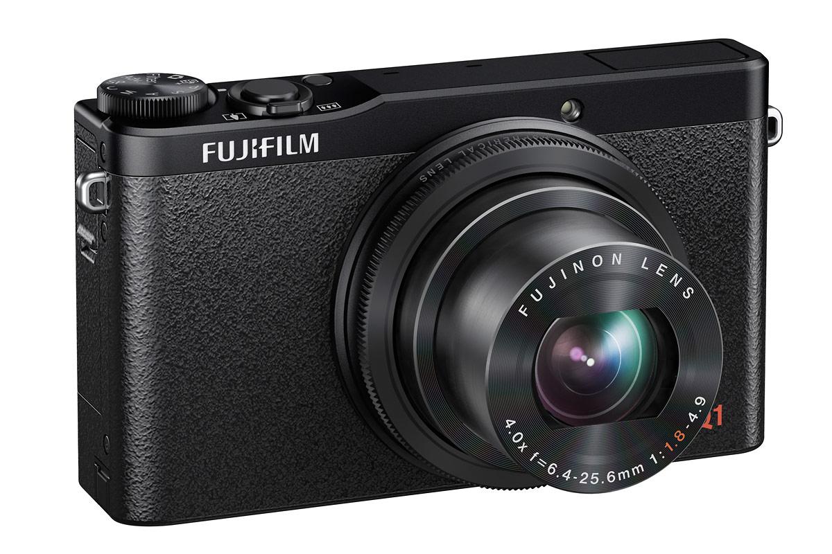 Fujifilm XQ1 - Front Right - Black