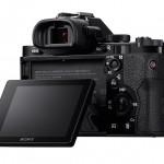 Sony Alpha A7 / A7R - 3-Inch Tilting Rear LCD Display