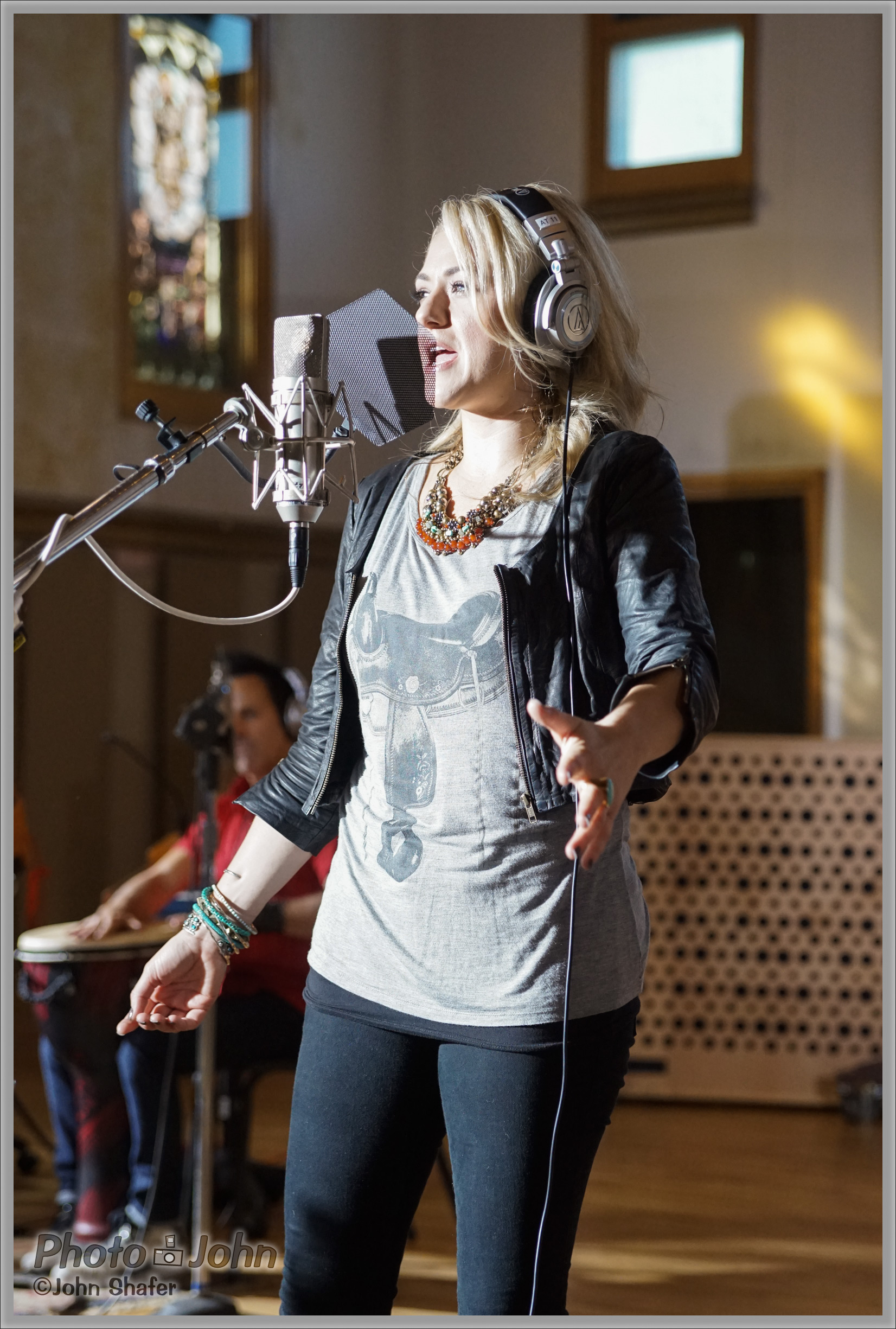 Leah Turner In the Studio - Sony Alpha A7R