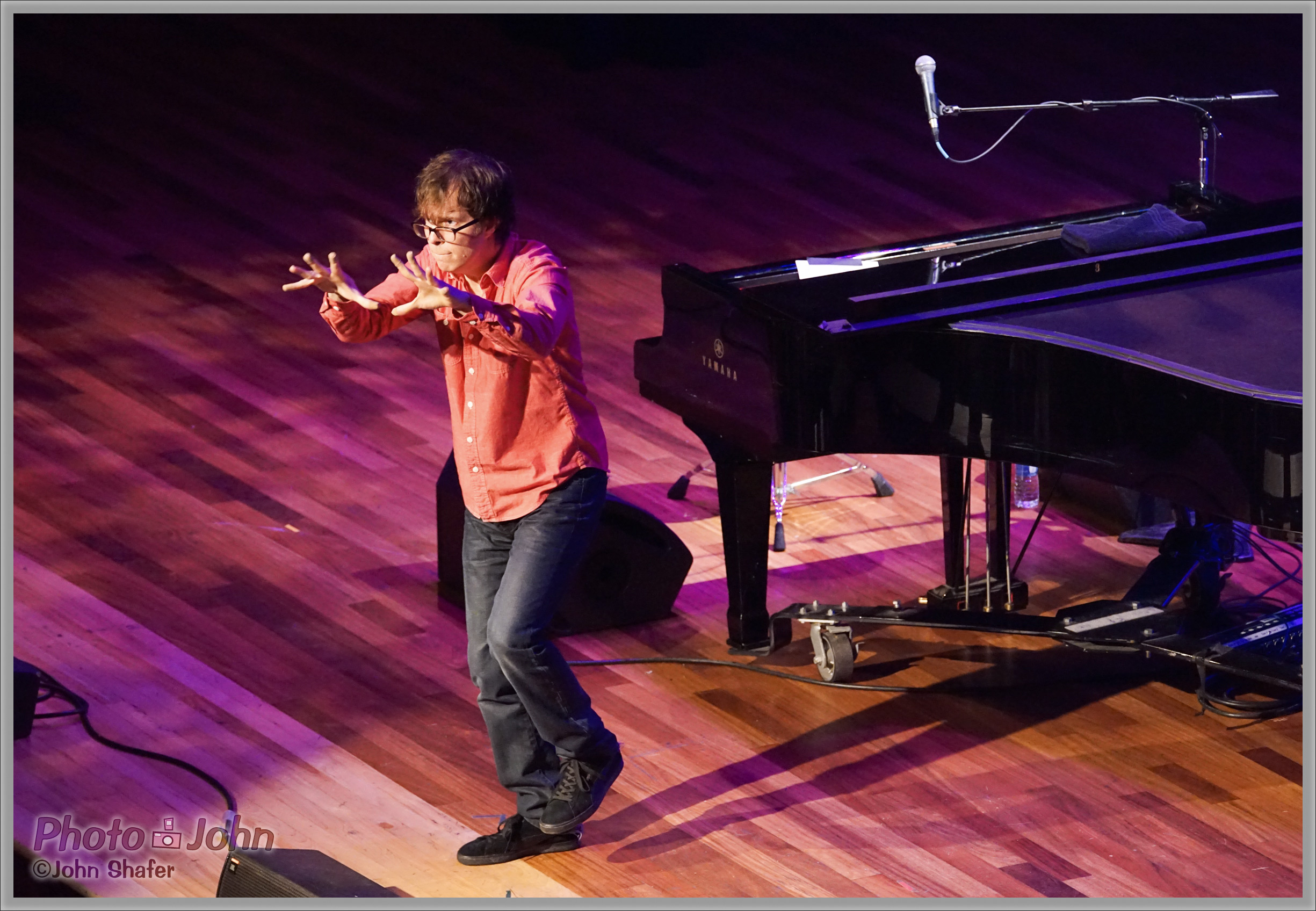Ben Folds Directing the Audience - Sony Alpha A7R at ISO 6400