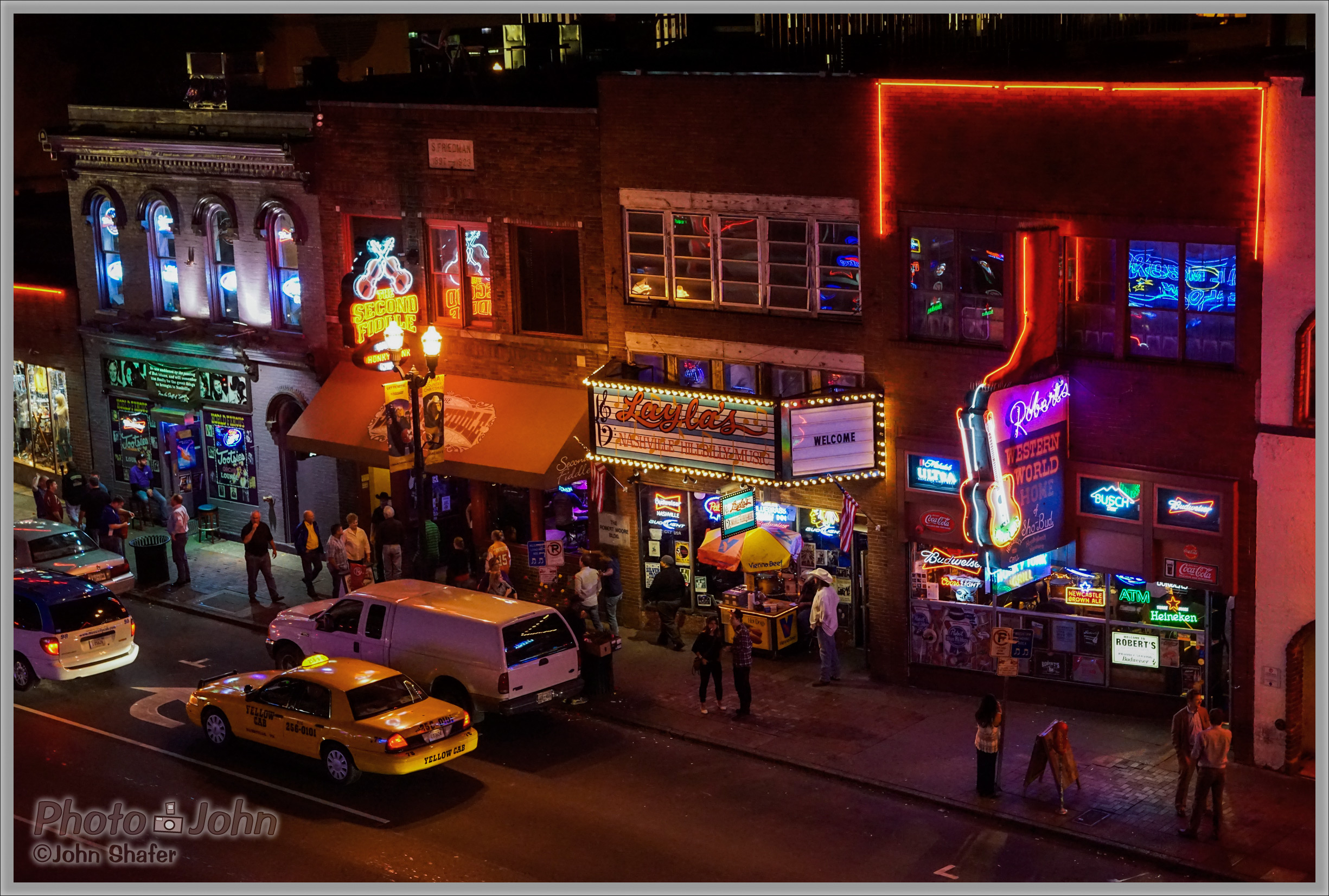Those Neon Lights Were Calling Me - Music Row - Sony Alpha A7R