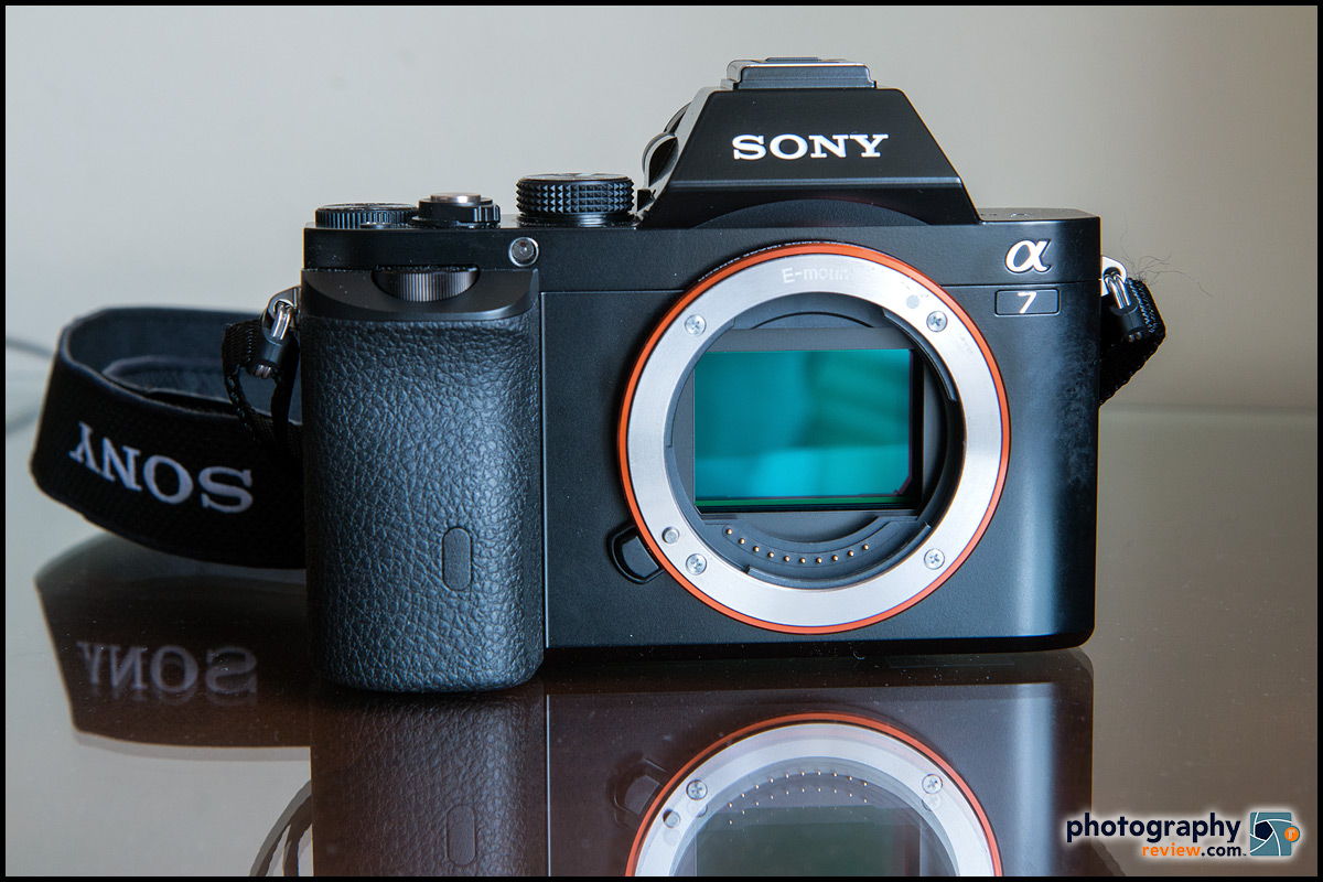 Sony Alpha A7 With 24-Megapixel Full-Frame Sensor