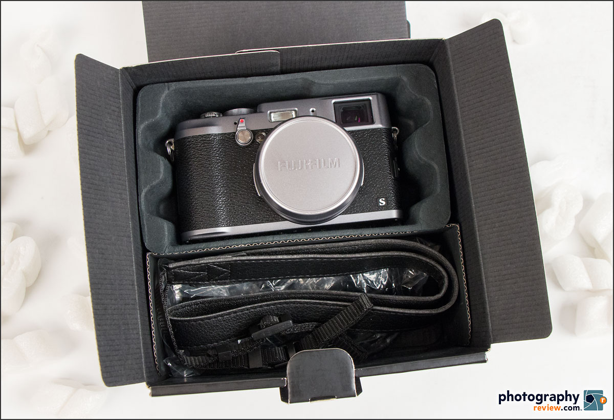 Fujifilm X100S In The Box - Nice Package!
