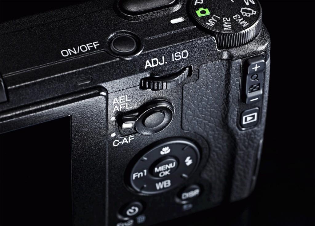 Ricoh GR High-End Pocket Camera - Controls