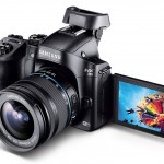 Samsung NX30 With Articluated LCD & Tilting EVF